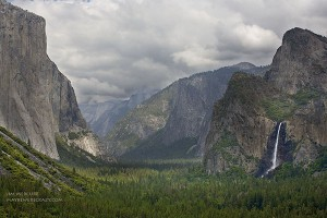 Yosemite Valley from Tunnel View Point